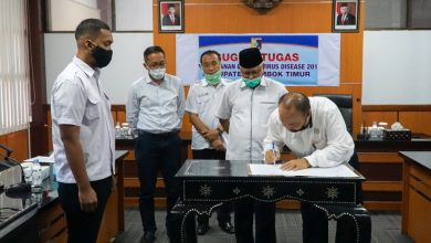 Pemkab Lombok Timur Serahkan Sejumlah Asset ke PDAM