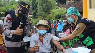 Vaksinator Mobile Lansia Datangi Langsung Lansia di Lombok Barat