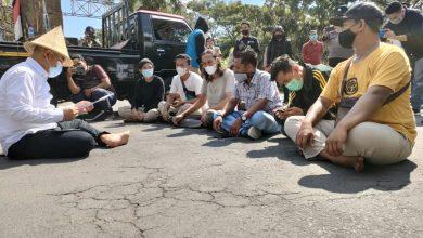 AMPES Lakukan Aksi Demonstrasi di Kantor Bupati Lobar
