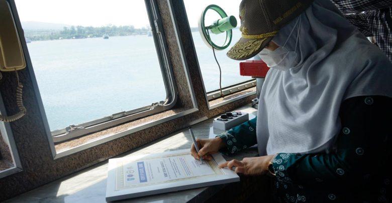 Wagub Tinjau Sistem Layanan Tiket Non Tunai di Pelabuhan Kayangan