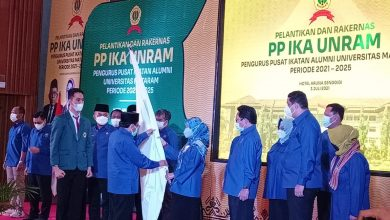 Rektor Unram Lantik Pengurus Pusat IKA Unram Periode 2021-2025